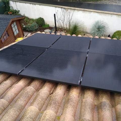 Installation de panneaux photovoltaïques à Restinclières