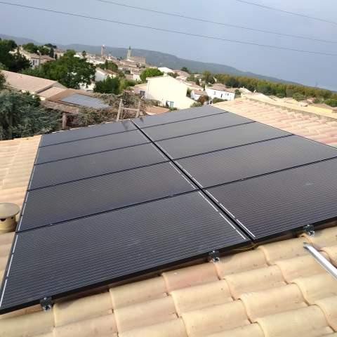 Installation de panneaux photovoltaïques à Mireval
