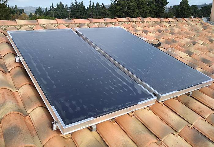 Chauffe-eau solaire individuel capteurs solaires panneaux solaires Viessmann Vitosol 100-FM solution écologique économique Anéo Hérault 34 Gard 30